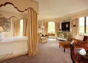 The_Dorchester___Dorchester_Suite_Bedroom_Landscape__417__Low_res.jpg