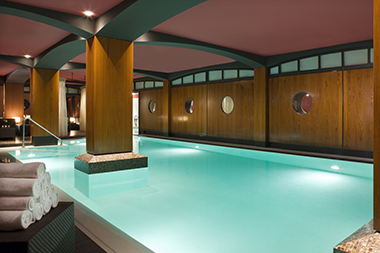 H__tel_Fouquet_s_Barri__re_U_Spa___swimming_pool__HD_4klein.jpg